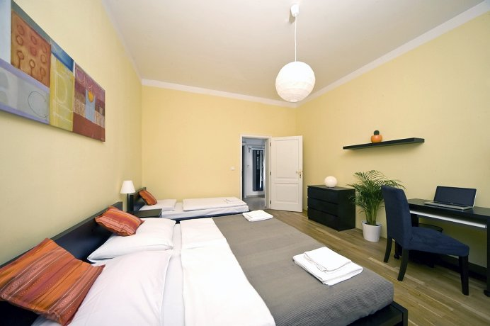Luxury apartment wenceslas square your apartments for Designer apartment prague