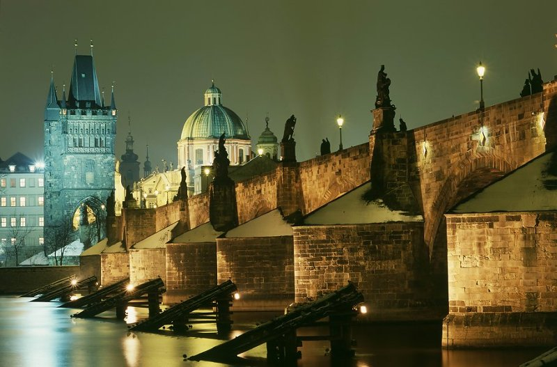 Prague charles bridge charles bridge in prague czech for Top ten prague